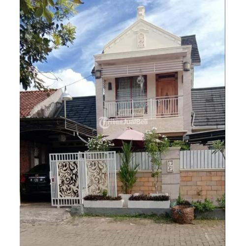 Dijual Rumah 2 Lantai Mewah Second 4KT 3KM Halaman Luas Harga Nego - Semarang