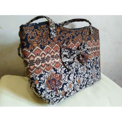 Tas Batik Harga Grosir Cocok untuk Souvenir Tersedia Beragam Ukuran - Solo