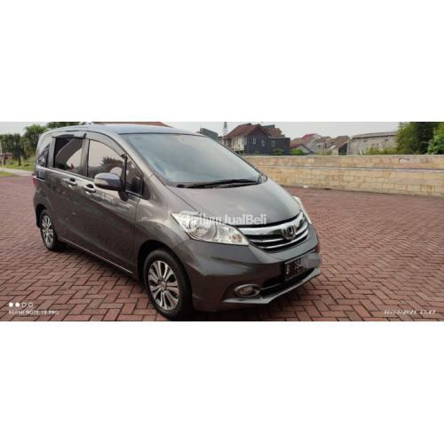 Mobil Honda Freed E PSD 2013 Abu Abu Bekas Tangan1 Pajak Baru Harga Nego - Semar
