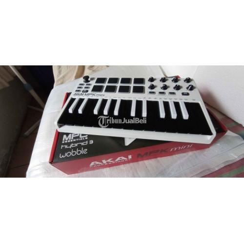Keyboard AKA MPK Mini MK II Bekas Fungsi Normal Fullset Harga Nego - Bekasi