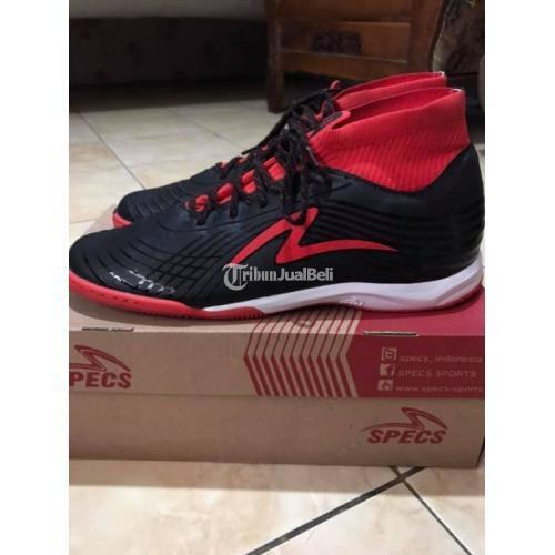 Sepatu Futsal Specs Accelerator Illuzion ll in Second Bagus Ukuran 41 - Solo