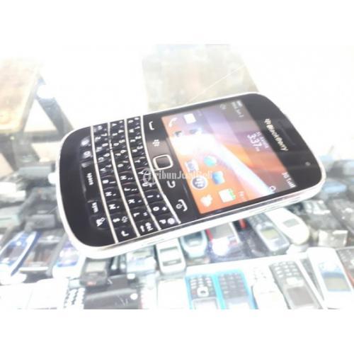 Hape Jadul Blackberry 9900 Dakota Seken Mulus Kolektor Item - Jakpus