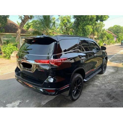 Mobil Toyota Fortuner 2019 TRD Sportivo Bekas Full Ori Pajak Panjang - Solo
