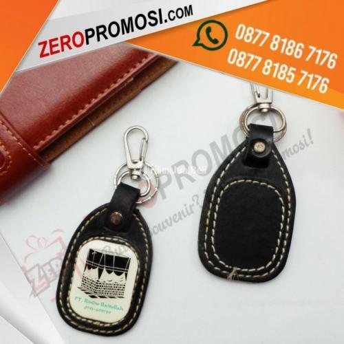 Souvenir Kantor Eksklusif Gantungan Kunci Gk Resin Kotak Kulit Cetak Logo - Tangerang