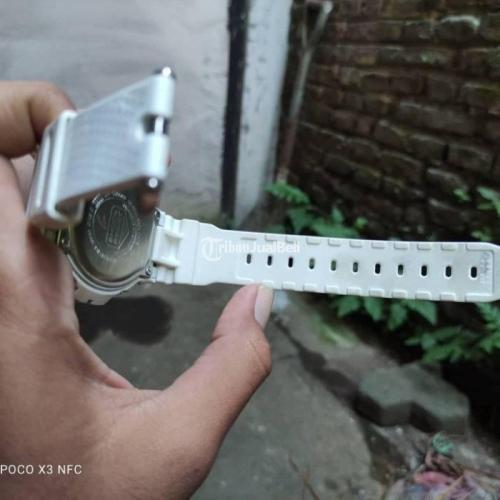 Jam Tangan Casio Gshock DW-6900NB-7DR Bekas Fungsi Normal - Surabaya