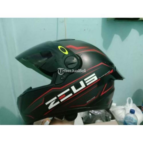 Helm Full Face Zeus 811 Size L fit M Bekas Mulus Harga Nego - Jogja
