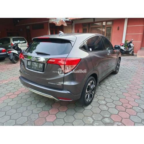 Mobil Honda HRV 1.8 Prestige 2016  Asli AB Bekas No PR Pajak Baru - Jogja