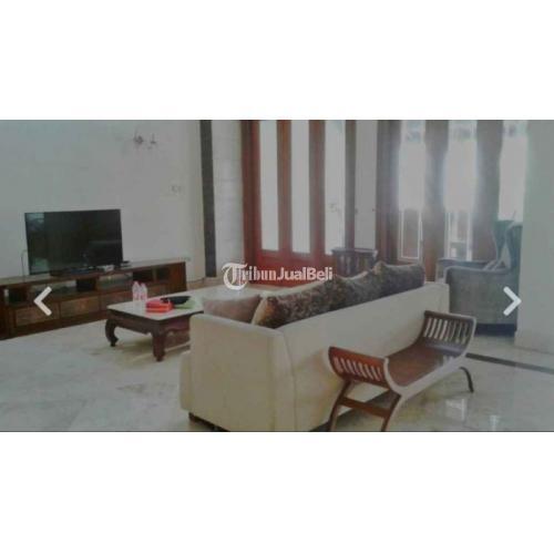 Disewakan Rumah Mewah di Jl. Duta Permai Dengan Fasilitas Kolam Renang - Jakarta