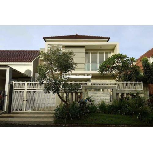 Rumah Mewah Bersih Luas Tanah 200 m² SHM di Telaga Golf Araya - Malang