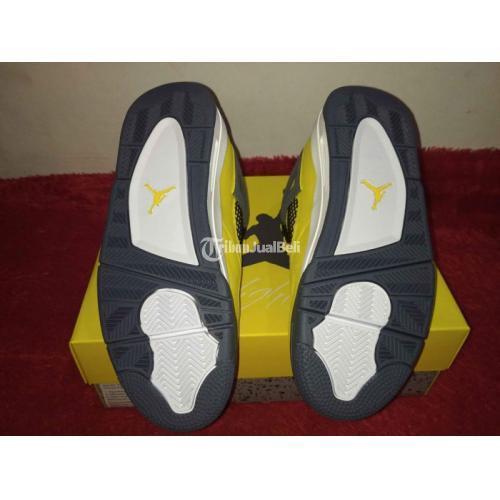 Sepatu Sneakers Air Jordan 4 Lightning US 8 / 41 Baru BNIB Original - Denpasar