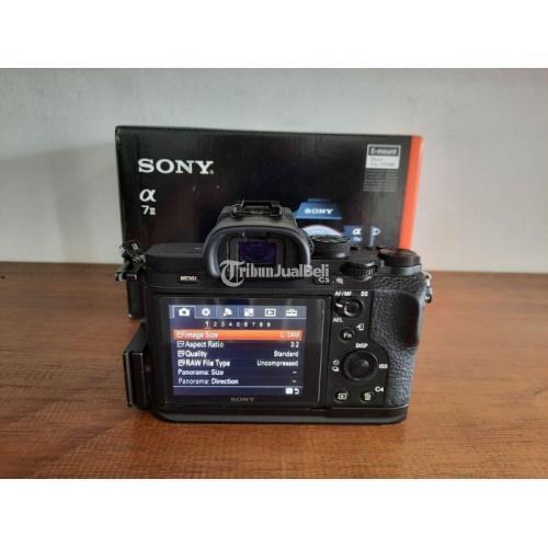 Kamera Mirrorless Sony A7 II Mark II Fullset Bonus L-plate Bekas Like New - Jogja