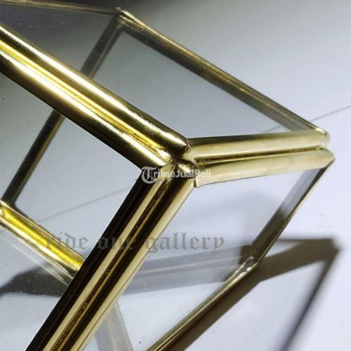 Terrarium Kotak Pojok Segitiga Cantik 5x5x5 CM - Jogja
