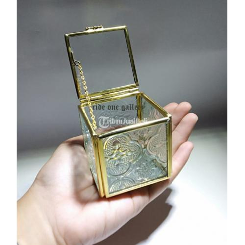 Terrarium Box Kotak Cincin Pernikahan Wedding Seserahan Sisi Flora Atas Bening - Jogja