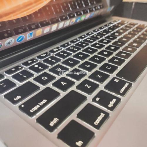 Laptop Macbook Pro Retina 2013 RAM 4GB SSD 128GB Fullset Bekas Normal - Solo