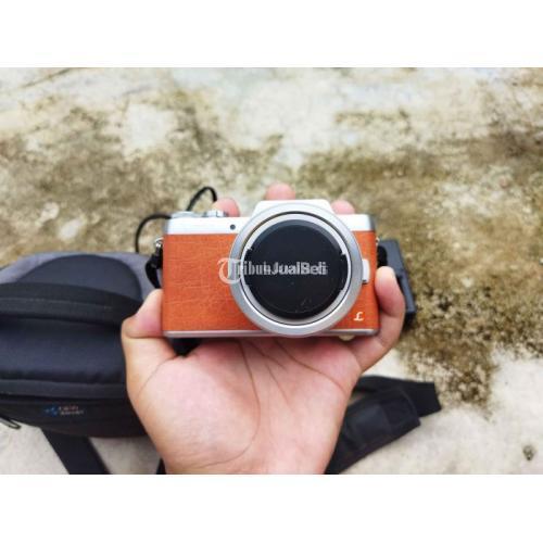 Kamera Lumix GF 8 Body Only Lensa Kit 12-32mm Bekas Fullset - Pekanbaru