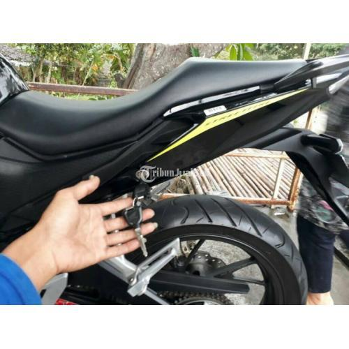 Motor Honda CBR 150 2018 Hitam Bekas Body Full Orisinil Harga Nego - Semarang