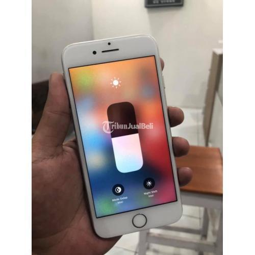 HP iPhone 8 64GB Silver Bekas Fullset Bateri 100% Kondisi Normal - Yogyakarta