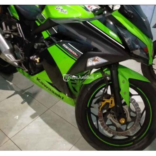 Motor Kawasaki Ninja 250cc ABS SE 2012 Bekas Body Mulus Harga Nego - Solo