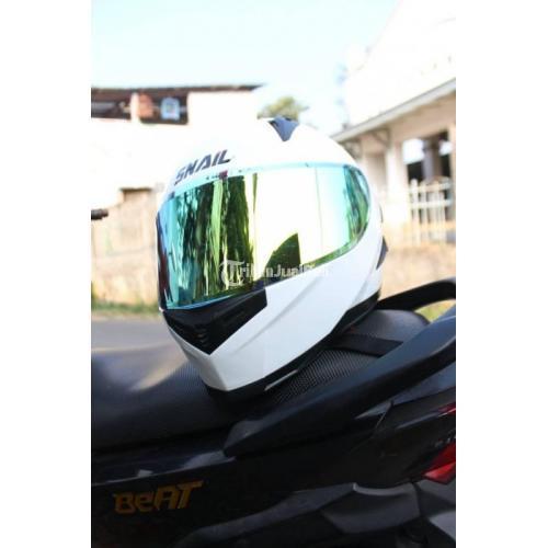 Helm Snail FFS1 Solid White Bekas Size L Kondisi Minus Pemakaian - Bandung