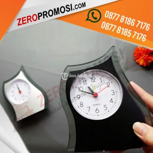 Produk Jam Meja Unik JMP-205 Custom Logo Untuk Souvenir - Tangerang