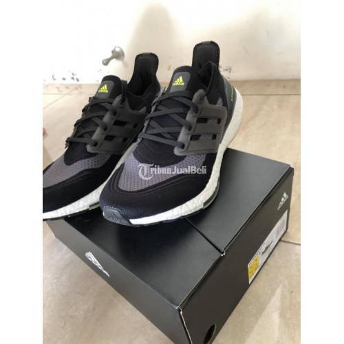 Sepatu Sneakers Adidas Ultraboost 21 Size 43 1/3 Original Baru - Jogja