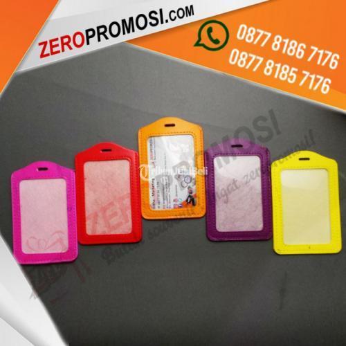 Souvenir Tempat Id Card Vertical Warna Warni Kapasitas 1 Kartu - Tangerang