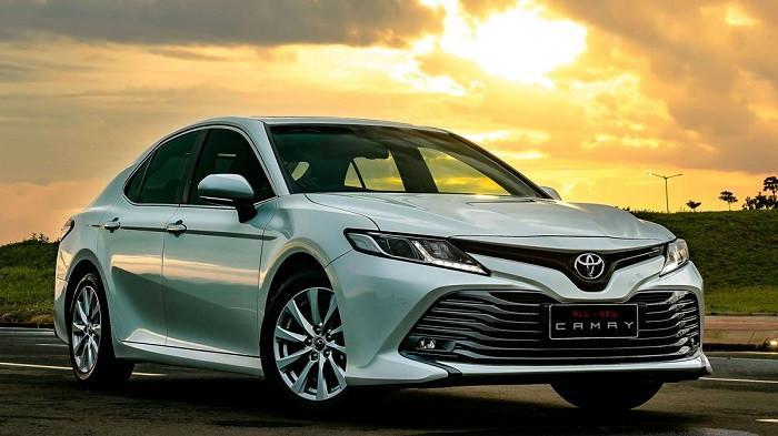Cek Harga Terbaru Mobil Toyota Setelah Pajak Emisi, Altis dan Camry Harganya Terjun