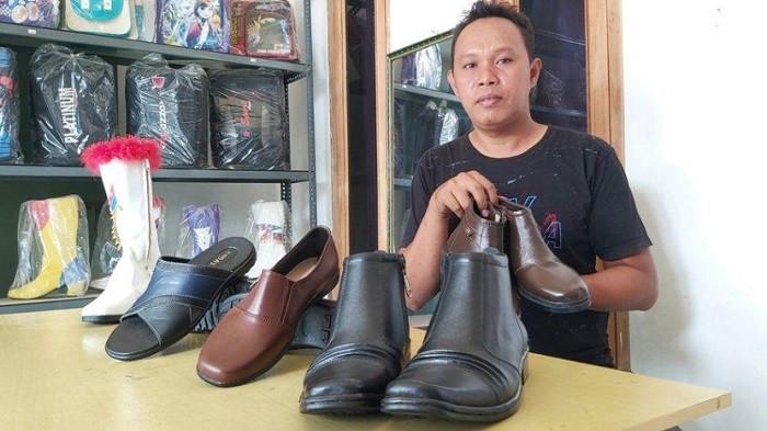 Intip Industri Kerajinan Sepatu Kulit dari Tegal, Produknya Nyaman dan Kuat