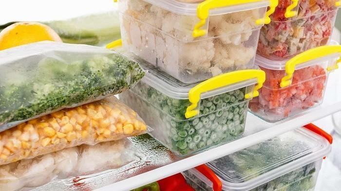 7 Makanan Ini Dilarang Disimpan dalam Wadah Plastik, Ketahui Bahayanya
