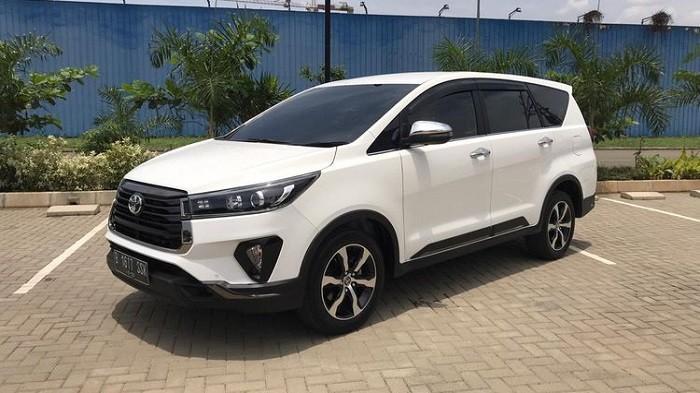 Banderolnya Sudah Murah, Cek Harga Mobil Bekas Toyota Innova Tipe Bensin