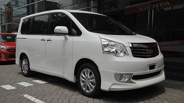 Cek Harga Mobil Premium Bekas Toyota NAV1, Dijual Mulai 150 Jutaan di Jakarta
