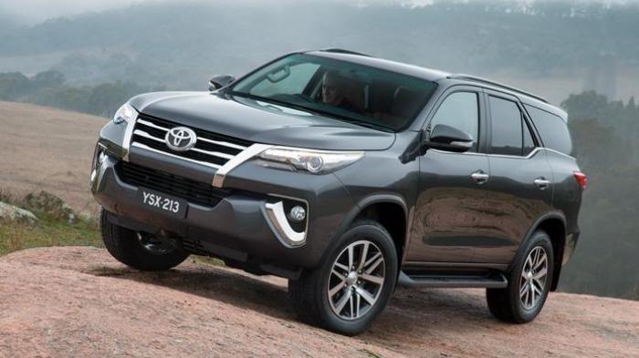 Cek Harga Mobil Bekas Toyota Fortuner Tahun 2006 Per September 2021