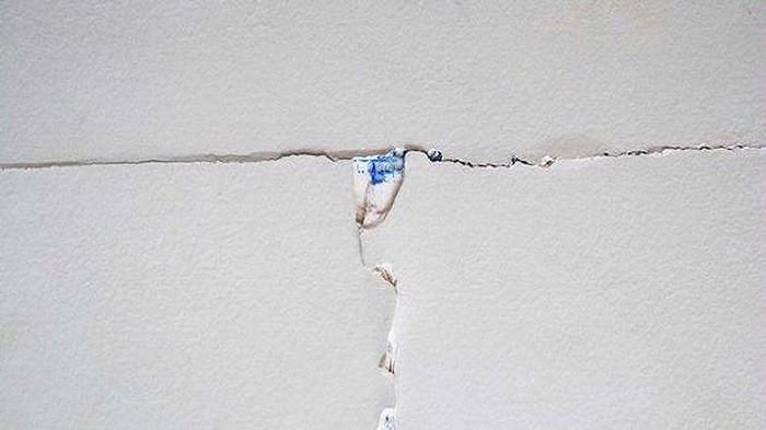 Masalah Umum Retakan Plafon Rumah dan Hal yang Perlu Diwaspadai